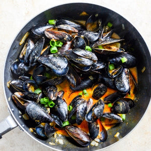 Mussels in Spicy Coconut Curry Broth