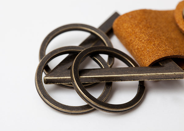 【SALE 50%OFF】 TRIANGLE KEY CHAIN  Camel / Gold