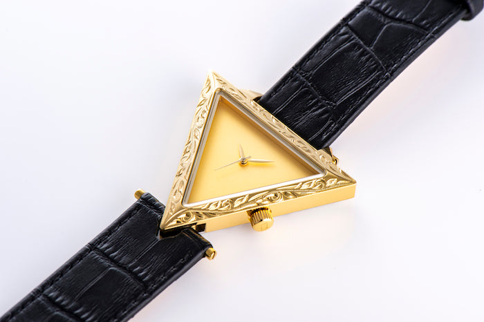 Maxi × ALIVE Collaboration Watch Gold