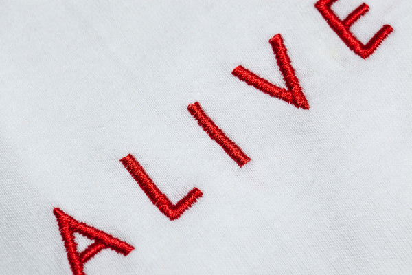 【SALE 30%OFF】ALIVE LOGO TEE White / Red