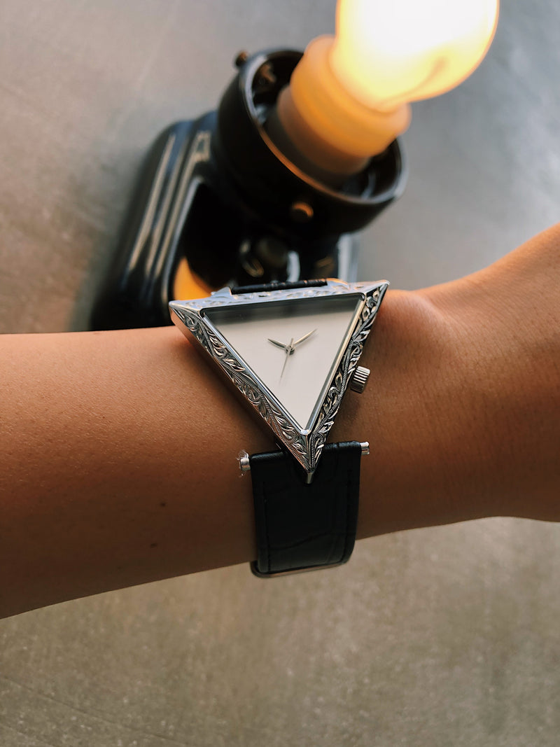 Maxi × ALIVE Collaboration Watch Silver