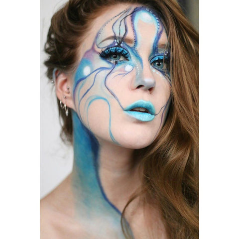 blue makeup with blue color lenses very natural