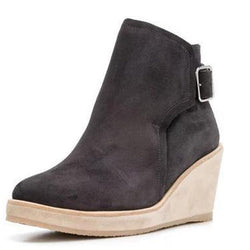 Suede Wedge Heel Pointed Toe Hasp Fashion Boots