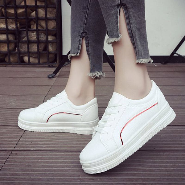 Round Toe Low-Cut Upper Lace-Up Color Block Casual Sneakers
