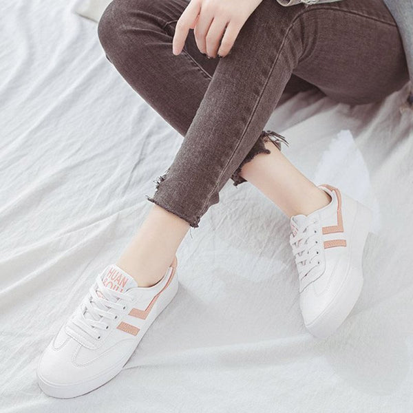 Round Toe Platform Low-Cut Upper Lace-Up Color Block PU Sneakers