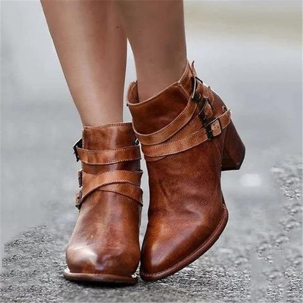 Pointed Toe Hasp Banquet Boots