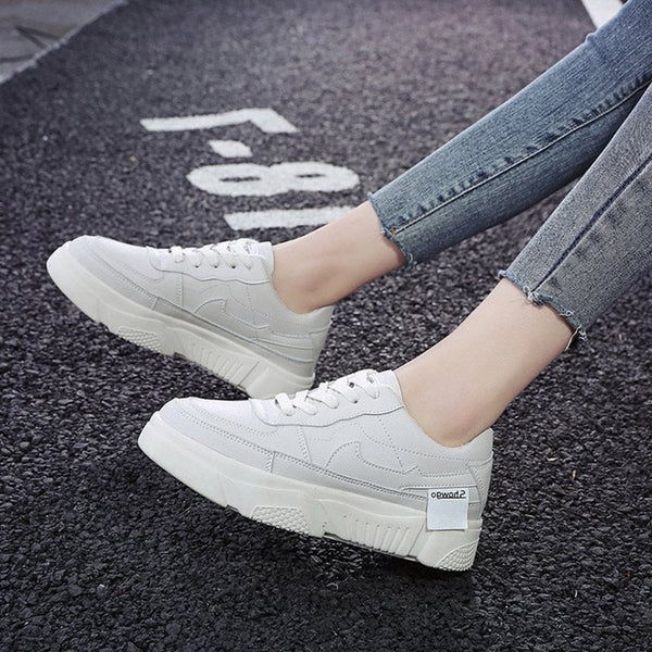 Round Toe Low-Cut Upper Platform Lace-Up Plain Suede Sneakers