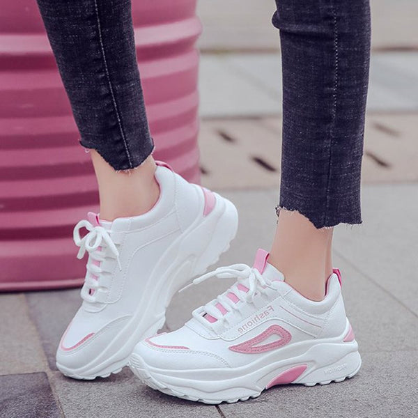 Platform Lace-Up Round Toe Low-Cut Upper Casual Color Block Sneakers