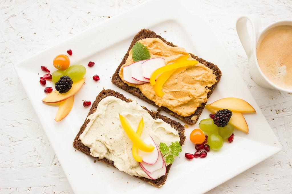 Hummus on toast with fruit