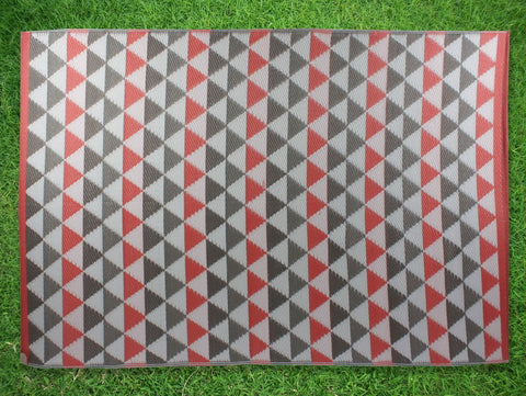 Outdoor Pp Mat Weatherproof Tri 120x180cm Red A/C He8305a