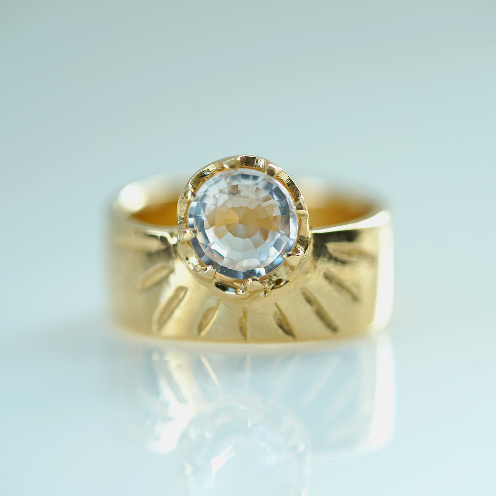 StarBurst Gold band with white beryl