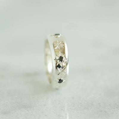 Star band with black diamonds silver