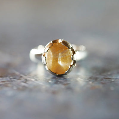 Golden rutilated quartz queen ring