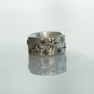 Star silver band with cognac diamonds
