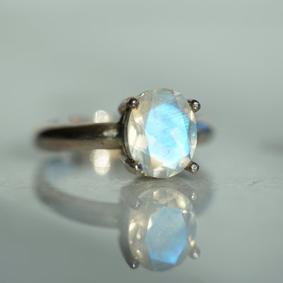 Rainbow moonstone solitaire in silver