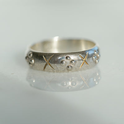 Crosses and 4 dots silver band