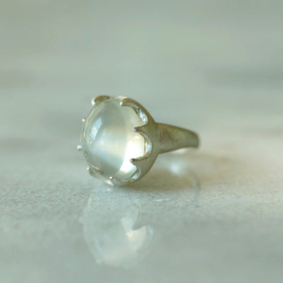 Green moonstone ring in silver