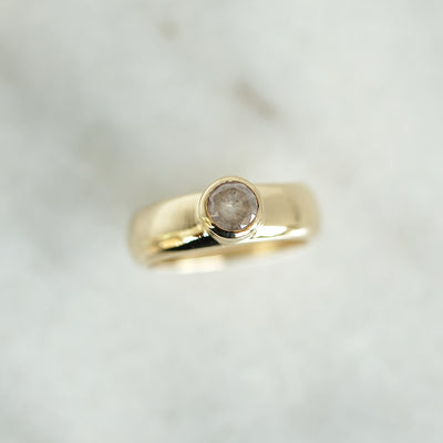 Solitaire Icy diamond gold band
