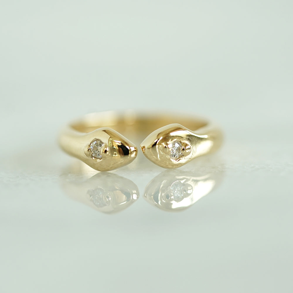 Thin Snake ring in gold