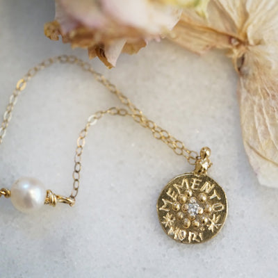 Memento Mori Necklace gold