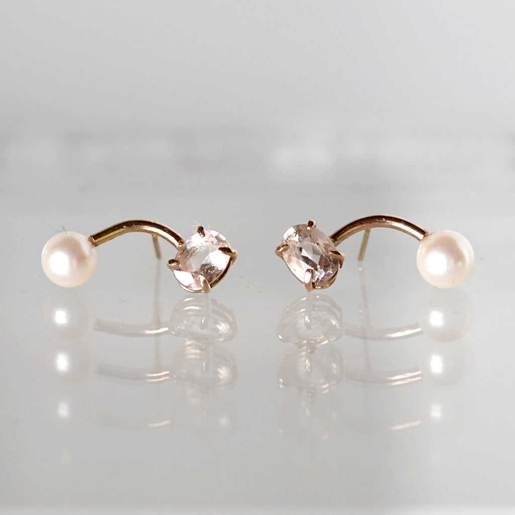 gold stud earrings with morganite diamonds in rose