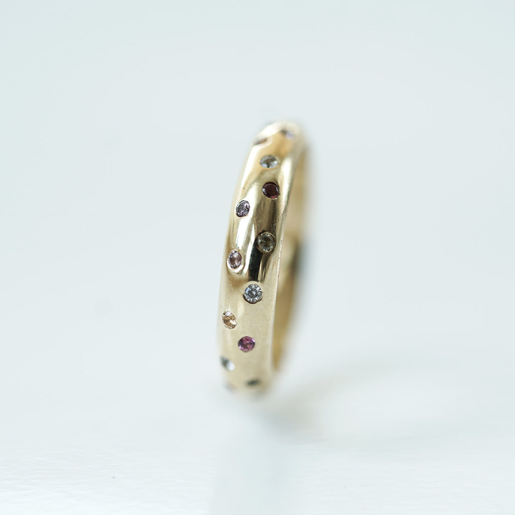 Multicolored sapphire gold ring