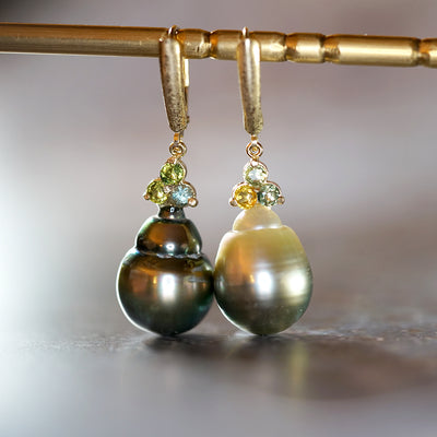 Sapphire Tahitian Baroque Pearl earrings