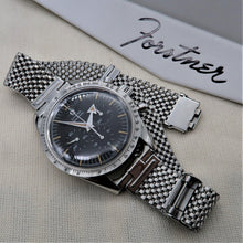"Load image into Gallery viewer, Forstner Komfit ""JB"" Mesh Watch Bracelet with Horned Ends"