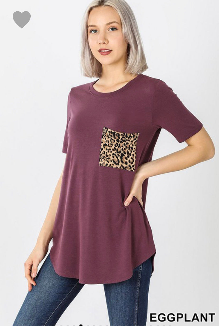 SHORT SLEEVE ROUND NECK LEOPARD PRINT POCKET TOP