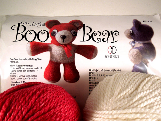 Vintage Boo Bear Kit FT-127 - Red