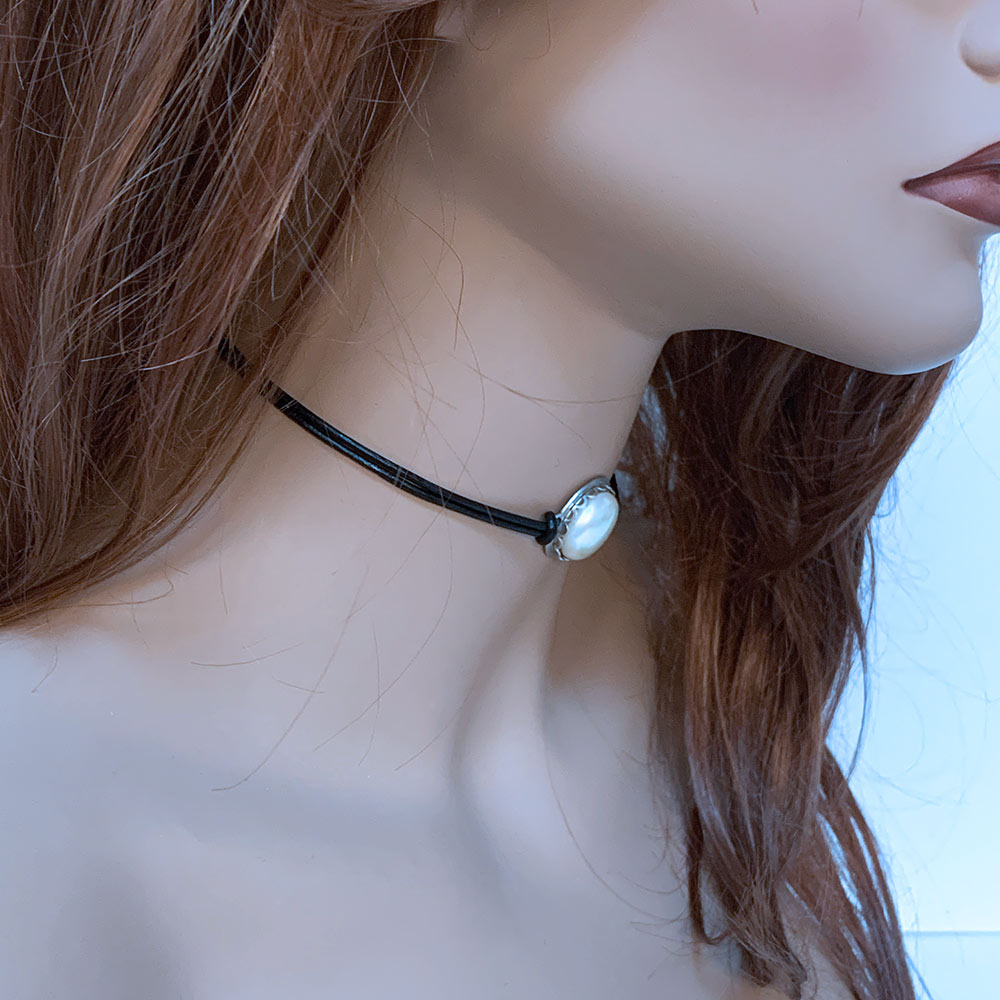 Pearl Choker Necklace | Gothic Grace