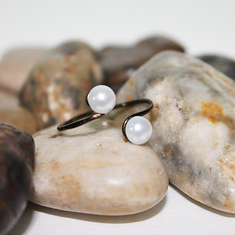 Stackable Double Pearl Adjustable Wire Ring - Gothic Grace