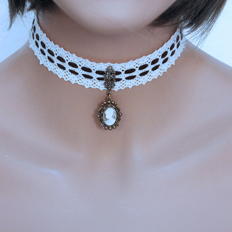 Victorian Cameo Pendant Choker - Gothic Grace