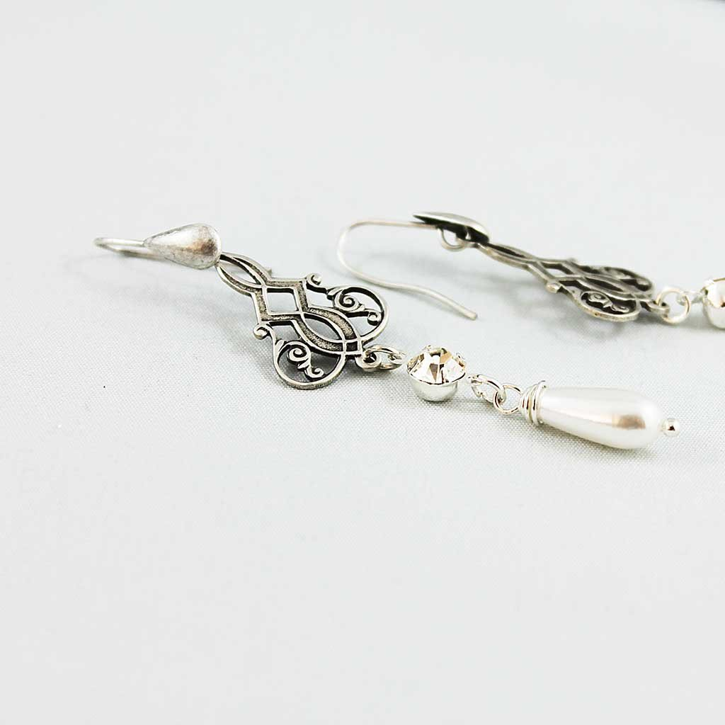 Pearl Teardrop Bridal Earrings - Gothic Grace