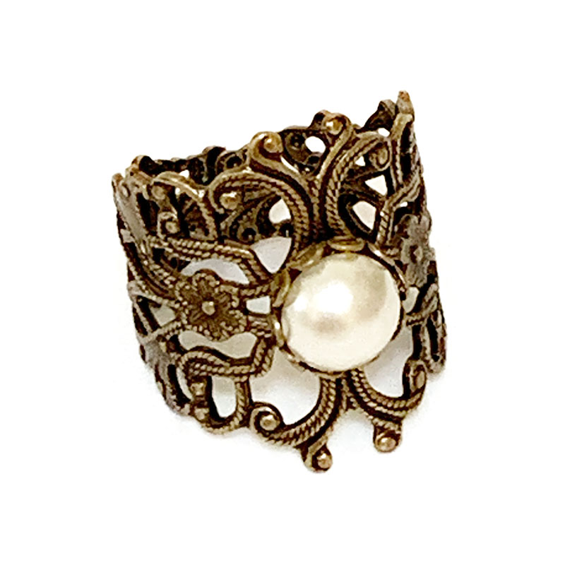 Gold Victorian Style Pearl Ring | Gothic Grace