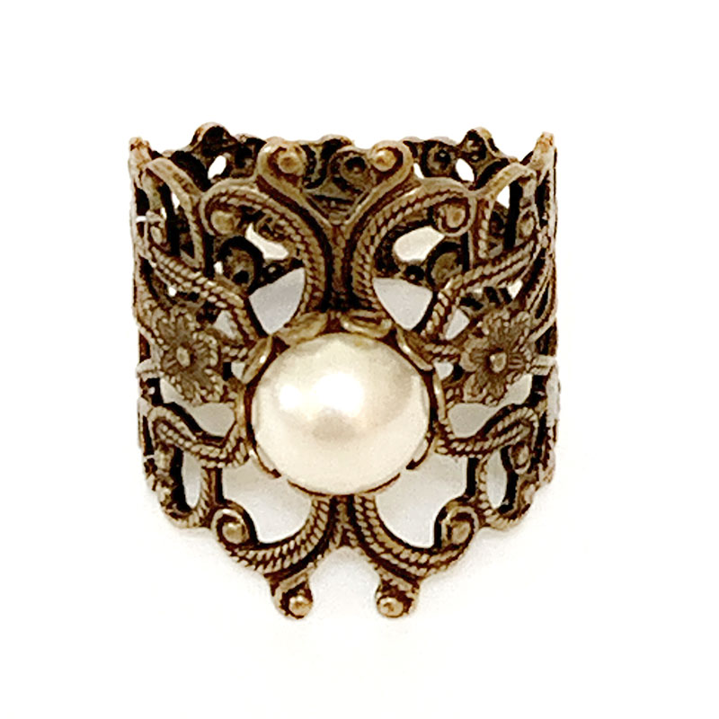 Victorian Style Pearl Ring | Gothic Grace