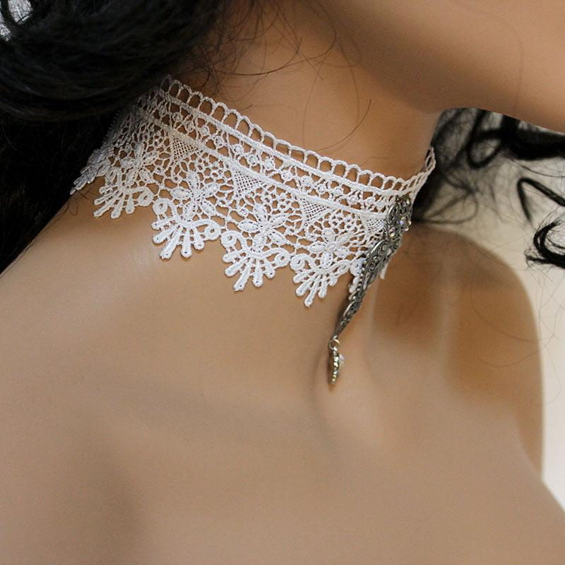 White Lace Bridal Choker, Wide Scalloped Victorian Necklace - Gothic Grace