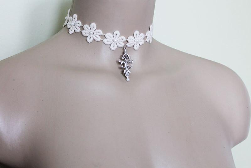Pearl Lace Flower Choker - Gothic Grace