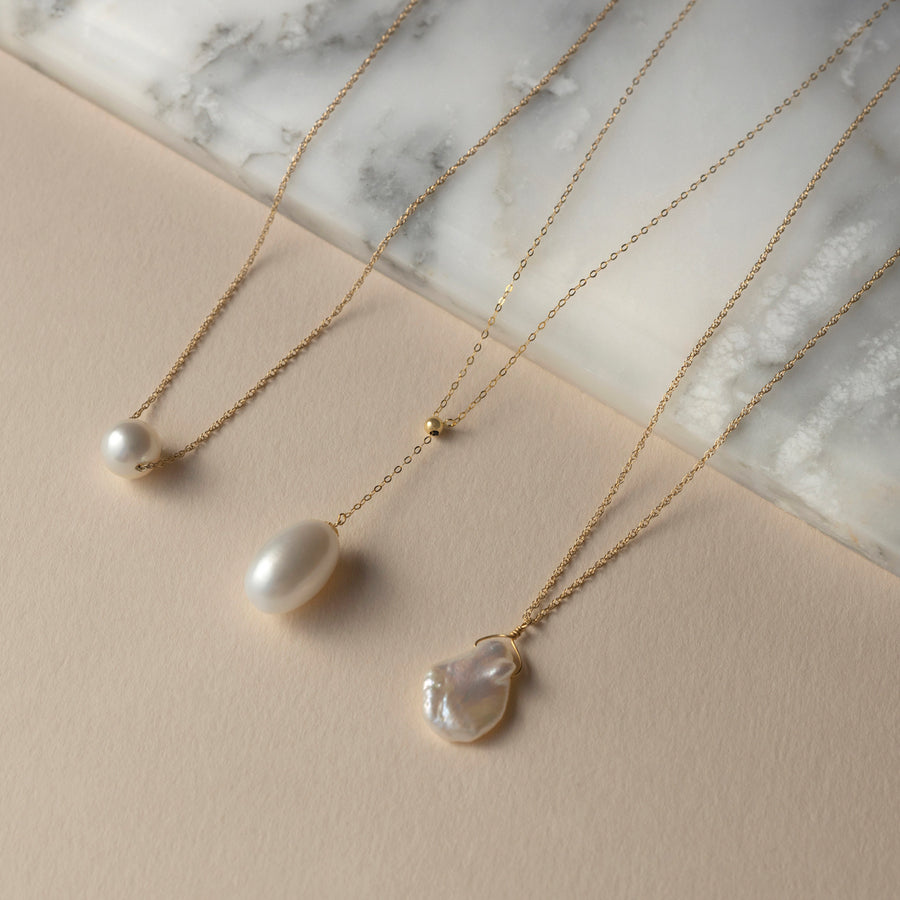 Amelia solitaire round pearl necklace