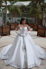 Load image into Gallery viewer, Satin Ball Gown Wedding Dress ,Fashion Custom Made Real Photo Bridal Dress YDW0065