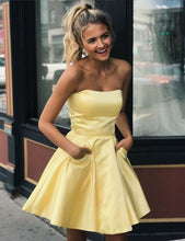 Load image into Gallery viewer, Short Homecoming dresses ,Short Prom Dresses, 8th Graduation Dress ,Custom-made School Dance Dress YDH0092