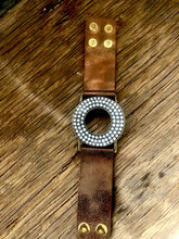 Load image into Gallery viewer, Leather Cuff With Pearls