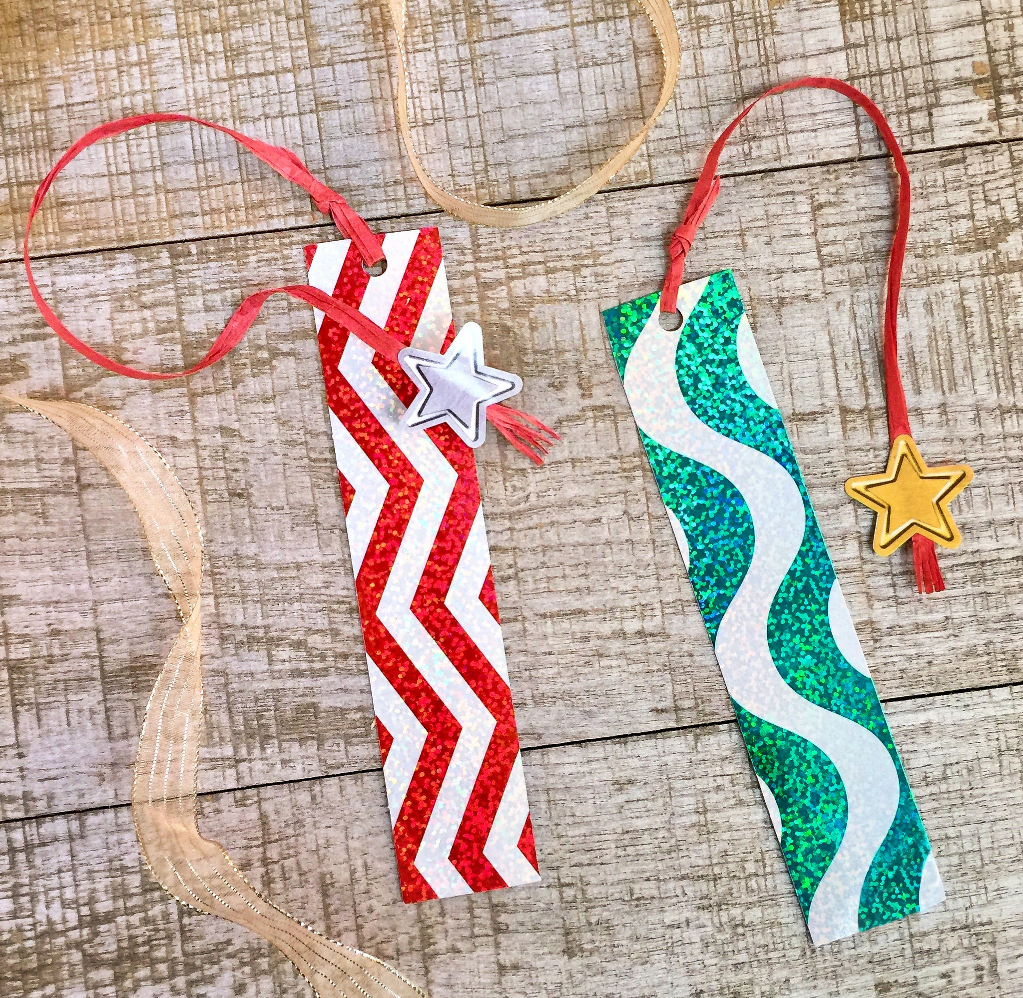 Easy kid Christmas bookmark art project school party craft