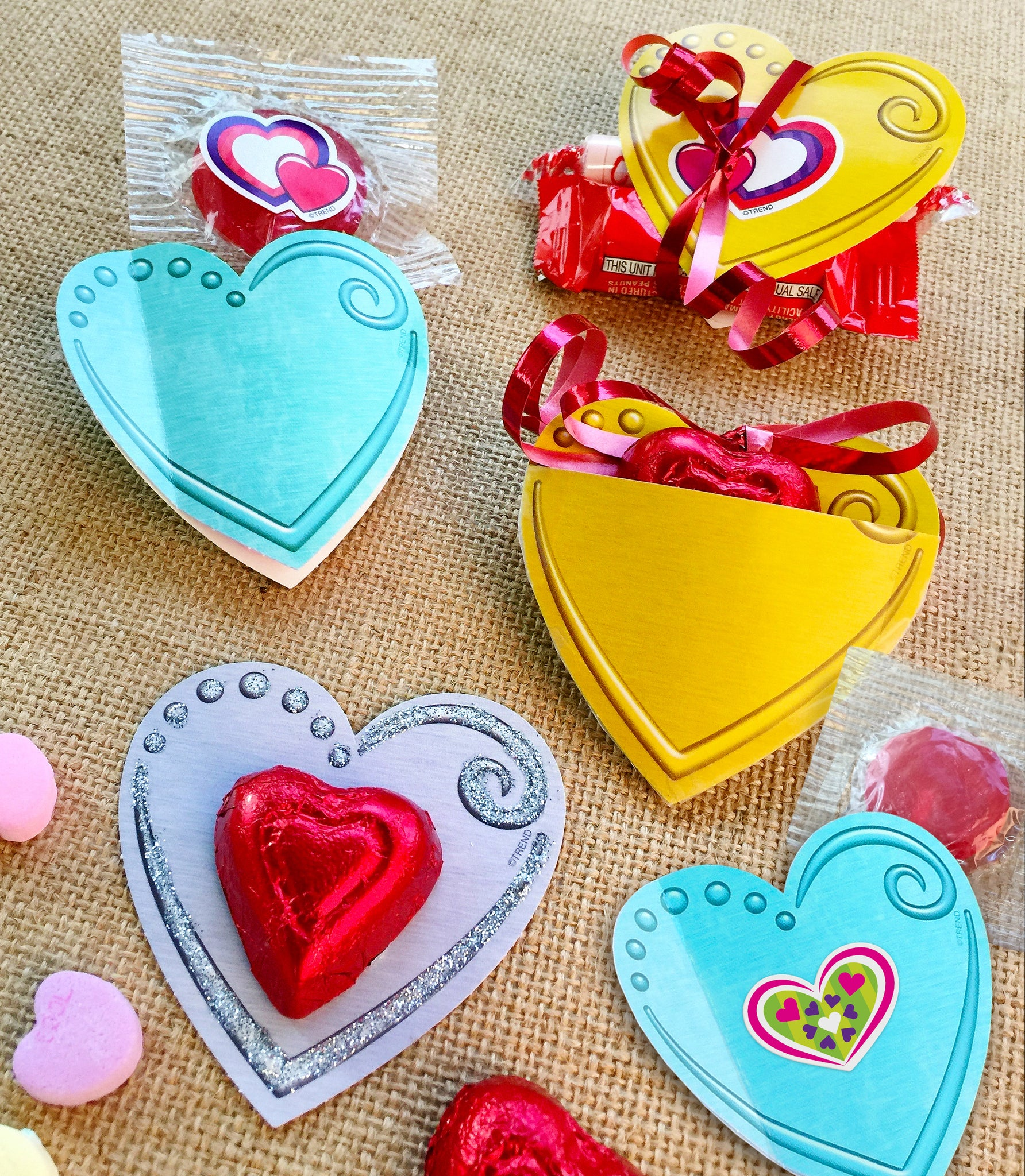 Easy Valentine's Day candy holders DIY kid project