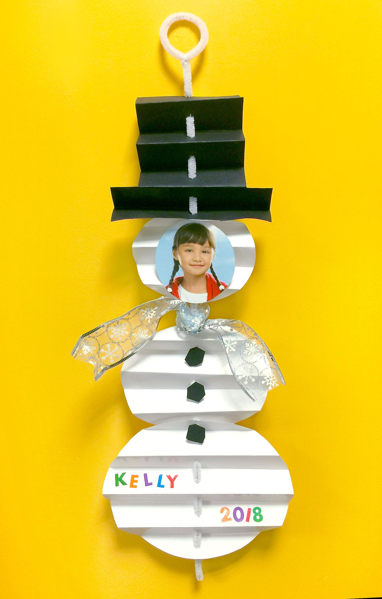 Easy kid Christmas ornament art project school party craft