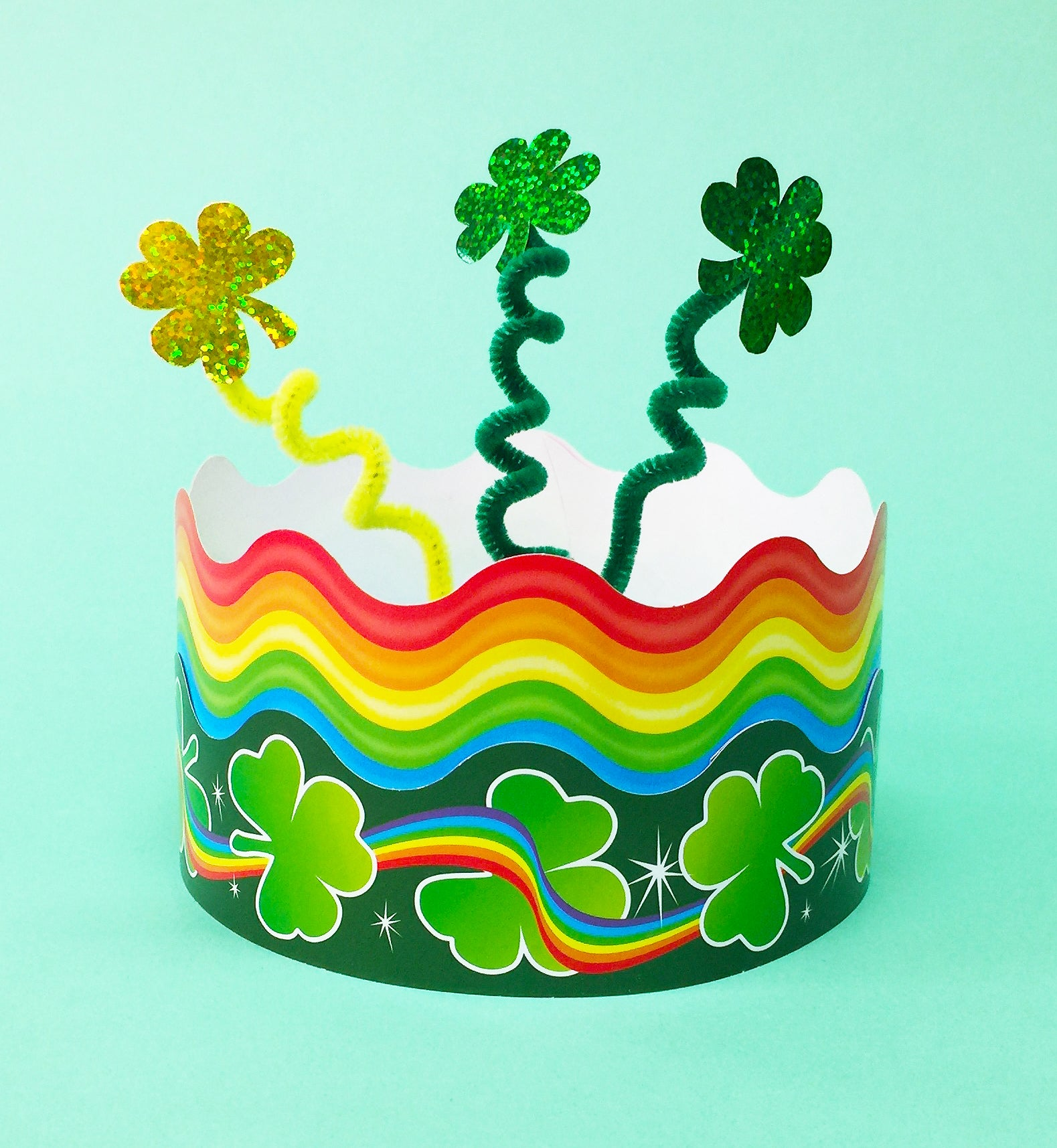 fun easy kid project for st. patrick's day DIY paper crown