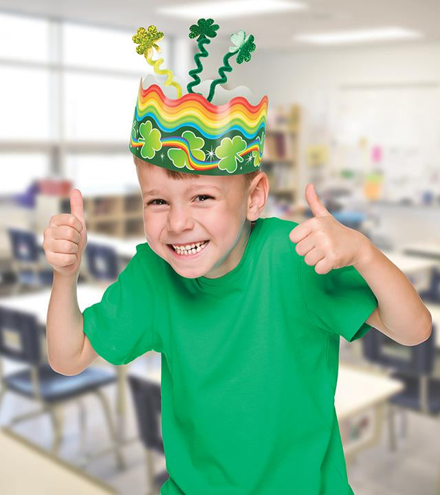 Fun kid projects for St. Patrick's day DIY paper crown craft