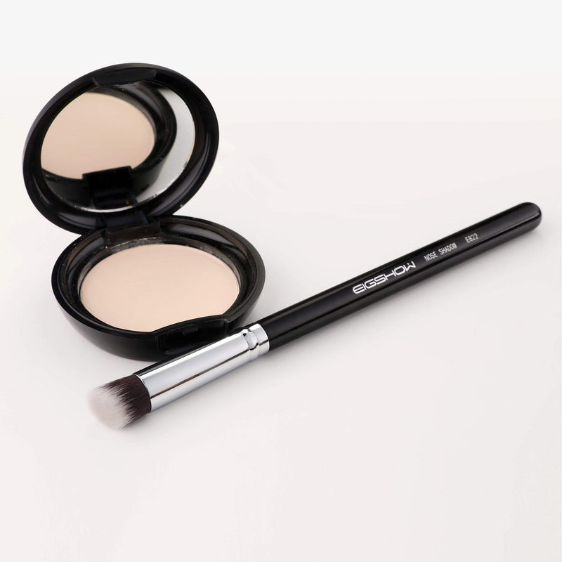 Eigshow Beauty E822 - ANGLED NOSE SHADOW BRUSH