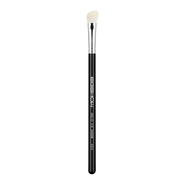 Eigshow Beauty E833 - ANGLED EYE SHADOW BRUSH (1804948504645)
