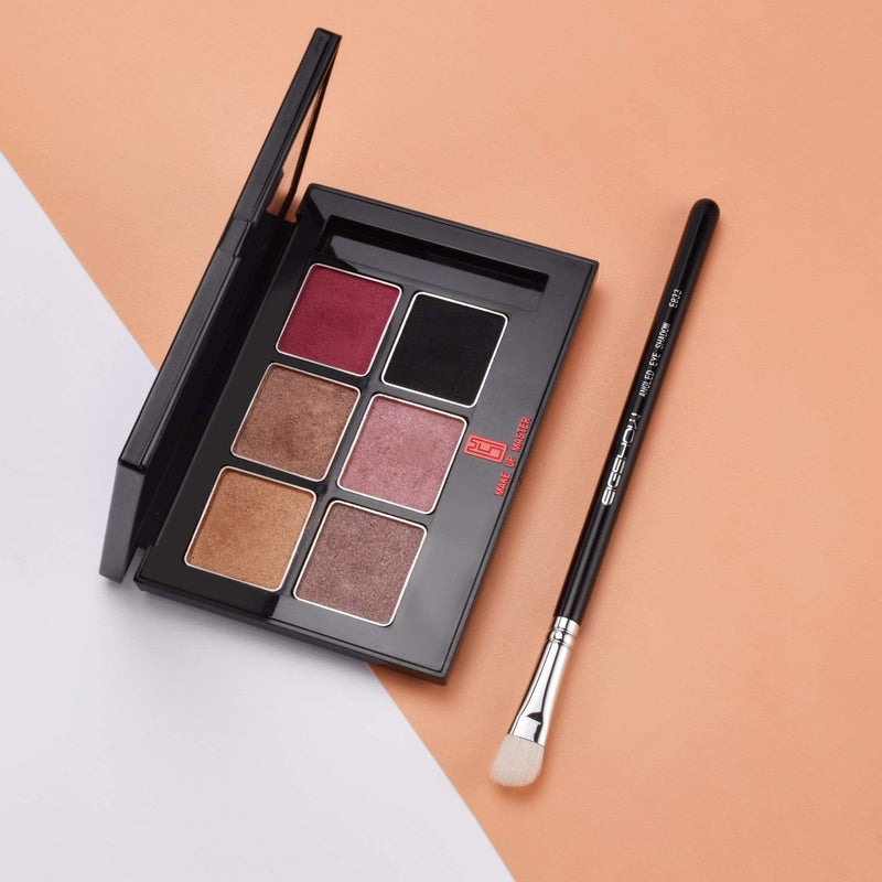 Eigshow Beauty E833 - ANGLED EYE SHADOW BRUSH